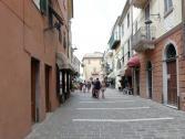 Nuova zona pedonale in via Porro a Finalpia (Ph: Provincia di Savona)