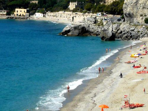 Spiagge e Stabilimenti Balneari (Ph: Provincia di Savona)