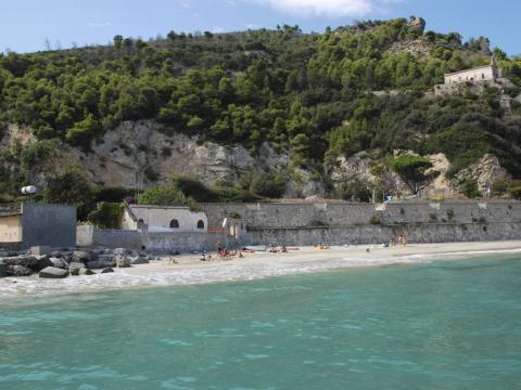 Spiaggia libera Baia dei Saraceni (Ph: Rescigno-Merlo)